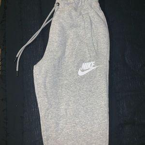 Nike joggers women's